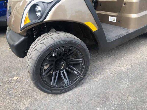 New 2021 Yamaha 4 passenger golf cart 2