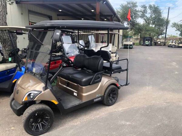 New 2021 Yamaha 4 passenger golf cart 3