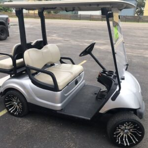 Used 2015 electric Yamaha golf cart 4